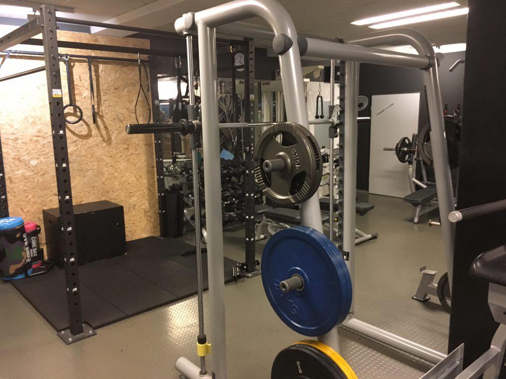 Gewichtsscheiben, Multipresse, Crossbox, Freihantelbereich, Studio21